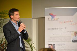 Le Dr Sébastien Levesque, cardiologue au CHU de Poitiers, a présenté son projet portant sur l'évaluation d'une technique d'imagerie innovante (OCT) pour la pose de stents coronaires.