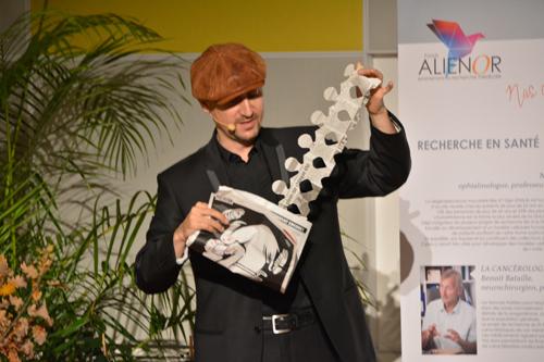 Le magicien David Orta a pimenté la soirée de gala du fonds Aliénor.