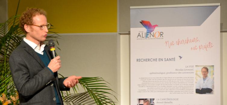 Le Pr Nicolas Leveziel, chef du service d'ophtalmologie du CHU de Poitiers, a présenté son projet de recherche sur la DMLA lors du la soirée de gala.