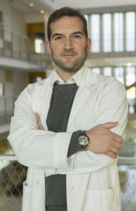Dr Pierre-Olivier Guichet, biologiste au CHU de Poitiers