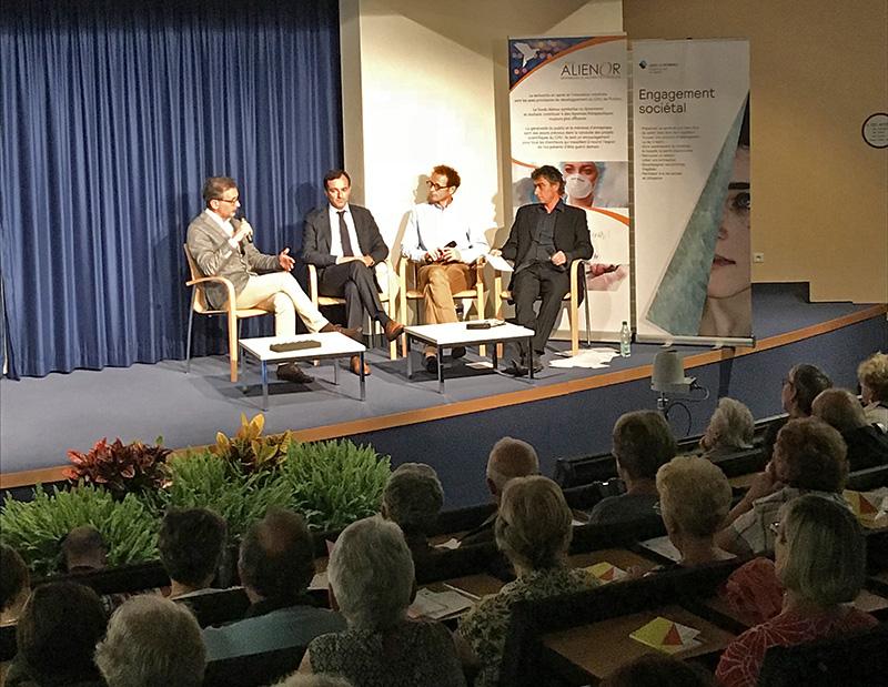 Jeudi 13 septembre, AG2R La Mondiale a organisé une conférence ayant pour thème « DMLA : une soirée pour comprendre ».